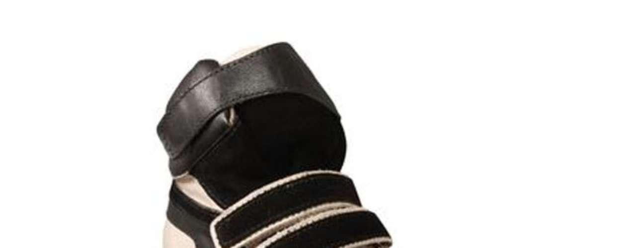 Sneaker da Shoestock está à venda nas três unidades da loja em São Paulo por R$ 229,90. SAC: (11) 3045-1200