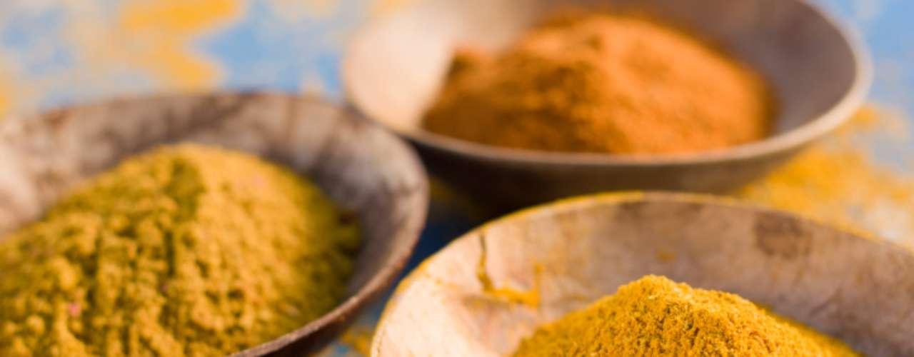 Use curry: a curcumina, presente no tempero curry, pode ajudar a evitar diabetes em pessoas com risco elevado, segundo pesquisadores tailandeses. O estudo incluiu 240 voluntários pré-diabéticos, sendo que metade ingeriu cápsulas com curcumina e o restante, um placebo (grupo controle). Depois de nove meses, 16,4 % dos participantes do grupo controle desenvolveram a doença, enquanto ninguém que ingeriu curcumina teve o problema