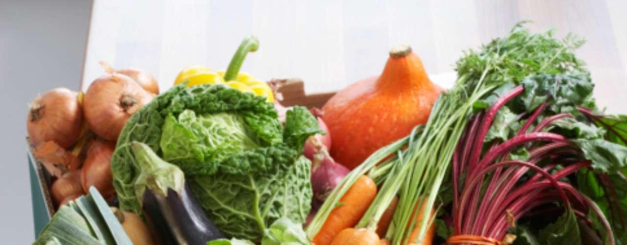 Aposte em frutas e hortaliças: comer frutas e hortaliças variadas pode ajudar a diminuir o risco de diabetes tipo 2, segundo estudo divulgado pela revista Diabetes Care. O levantamento avaliou os hábitos alimentares de 3.704 pessoas