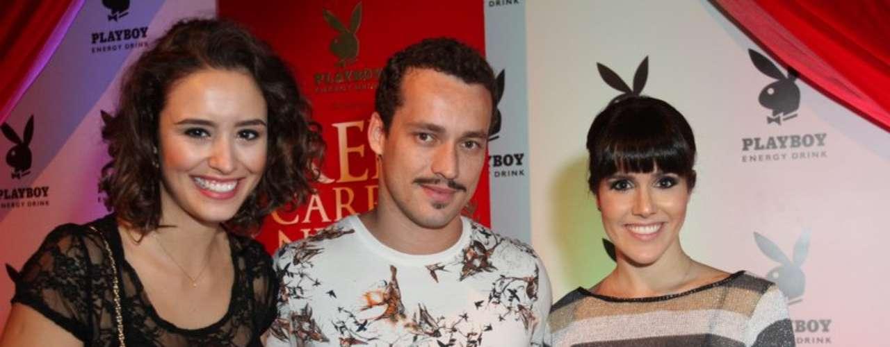 Amanda Richter, Rodrigo Andrade e Fernanda Pontes posaram juntos para fotos