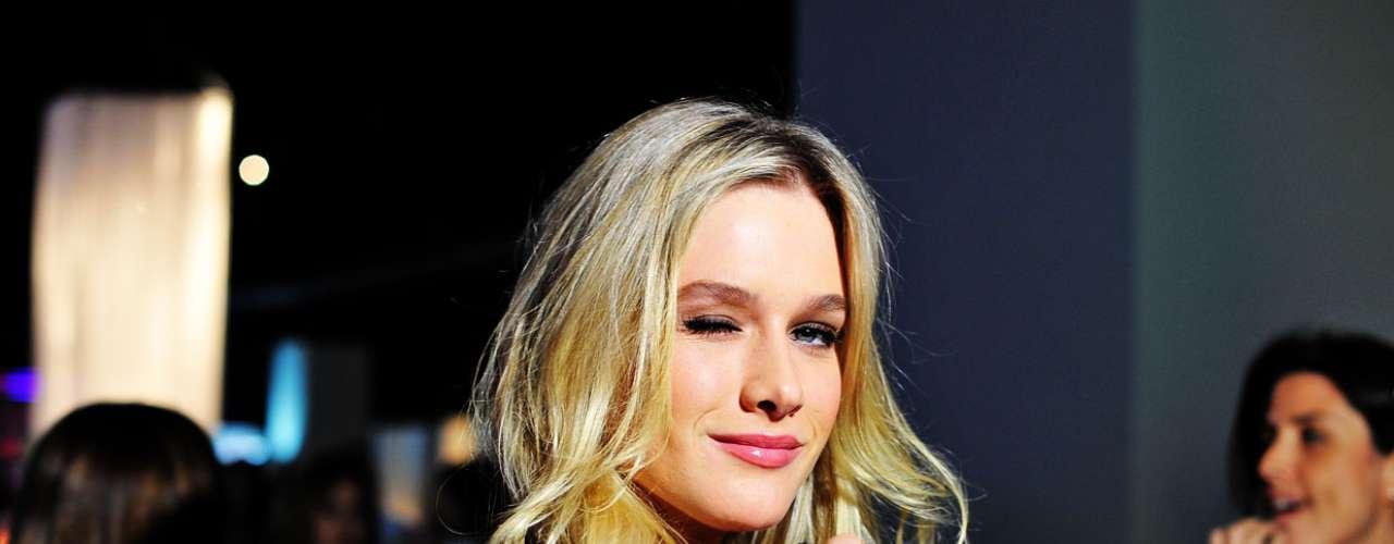 A ex-modelo Fiorella Mattheis disse que, como toda mulher, não deixa de comer doces de vez em quando