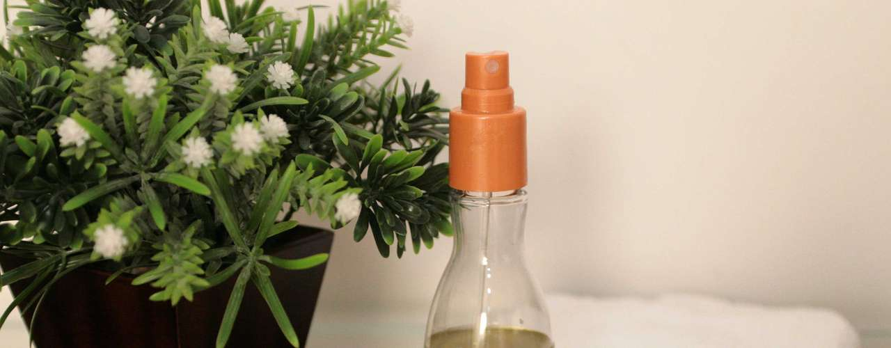 Certo: para fazer a massagem modeladora em casa, você precisará de esfoliante, creme ou óleo corporal e toalhas
