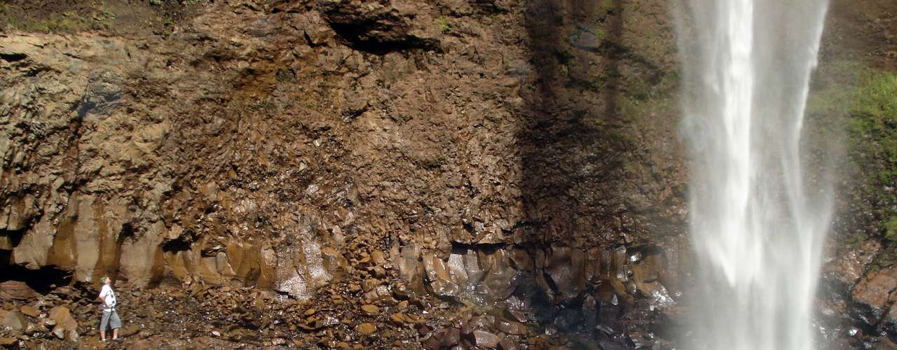 Banhar-se no Saltão é possível  desde que com cuidado e mantendo certa distância da queda d´água, que pode machucar