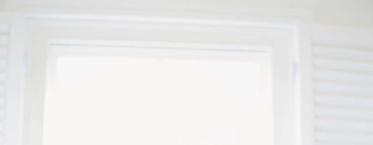 9. Desistir ou persistir? Quando se trata de um relacionamento estável, o homem que falha tende a nem tentar de novo na mesma noite, relata Celso. Mas para a sexóloga Maria Claudia, a segunda tentativa é sempre válida. Se não deu na primeira vez, pare um pouquinho, fale sobre outros assuntos com ela, fique tranquilo com a situação. A segunda tentativa deve acontecer de forma natural. Ter que acontecer é muito ruim!, lembra a sexóloga
