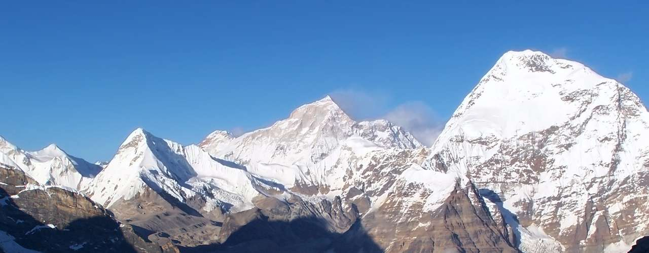 Everest, Nepal/China: a quase 9 mil metros acima do mar o monte Everest, na fronteira entre Netal e China, é a montanha mais alta do mundo