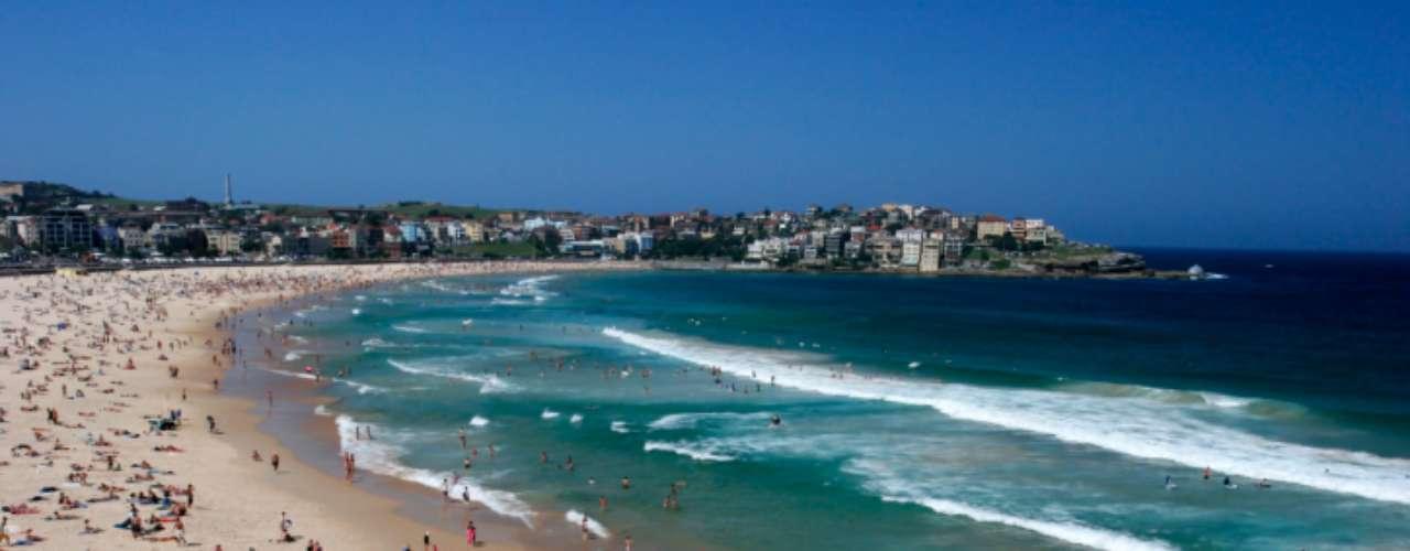 1. Bondi Beach, Austrália: depois de passar o dia a espera de ondas, aproveite a noite que esta praia pode lhe oferecer. As festas contam com música dançante e mulheres dispostas a paquerar