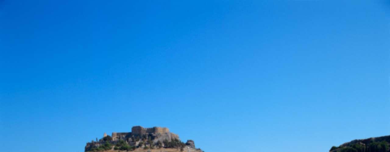 6. Rodhes Island, Grécia: mulheres de topless e baladas que duram dias e noites. Quer algo a mais?