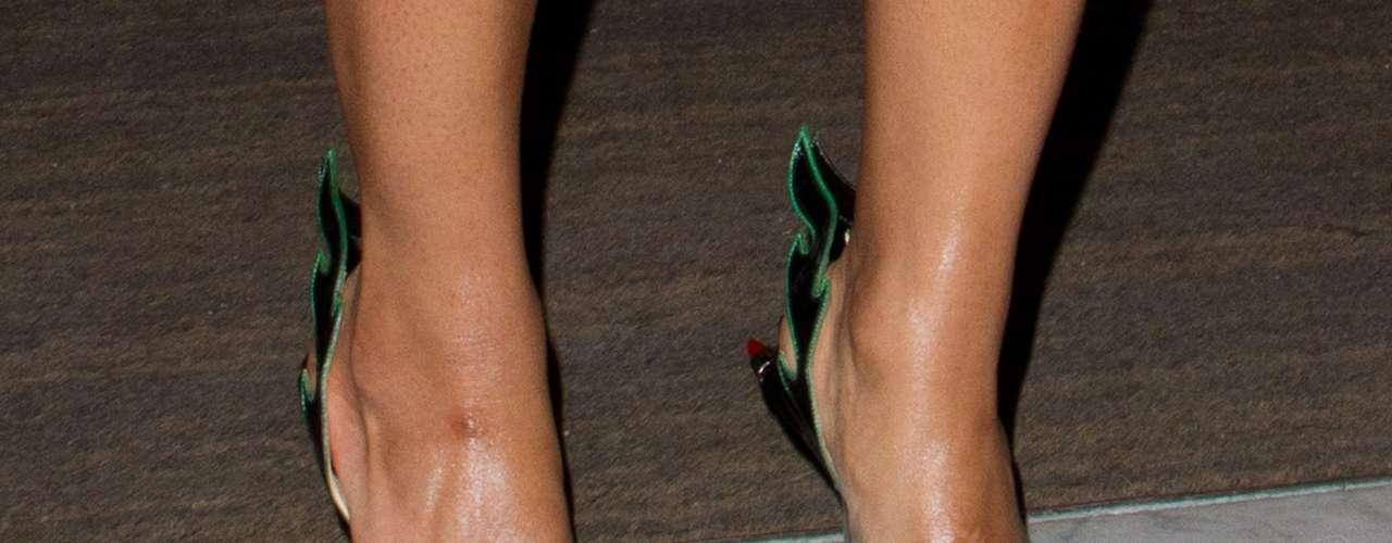Beyoncé usou uma cor de tangerina, que é uma boa dica para dar uma refrescada no visual