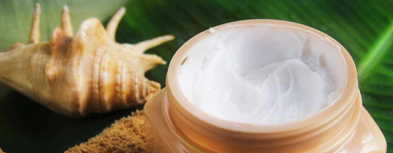 Manteiga de cacau recupera a oleosidade perdida pelo ressecamento causado por exposições ao sol ou frio excessivo