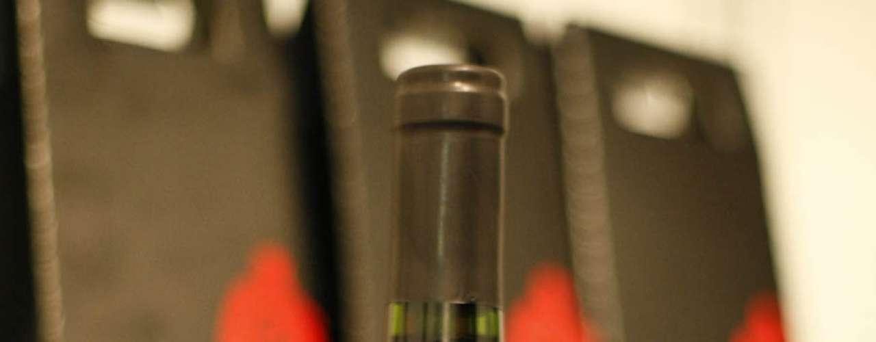 A feira traz descontos especiais para os visitantes. O vinho português Rei dos Andes Cabernet Sauvignon 2011, por exemplo sai por R$ 13,20 cada para consumidores que comprarem uma caixa de 12 garrafas