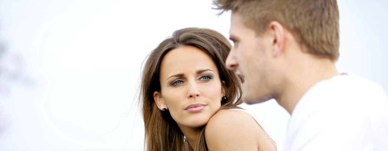 Você espera perfeição do seu parceiro: aprenda a escolher suas batalhas com sabedoria. Nós não podemos ter tudo de uma pessoa. Tente amenizar as coisas até onde você pode, tanto para o seu lado quanto para o lado dele. Dessa forma, você trará novos ares para um relacionamento sufocado pelo peso de expectativas irreais