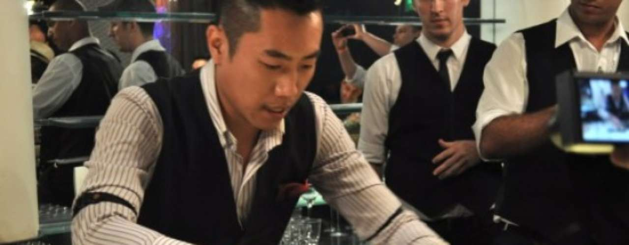 O taiwandês Kae Yin comanda o Marsalis, em Taiwan; ele é reconhecido por misturas inusitadas, como flor de lírio, vodka, rum e licor de ameixa