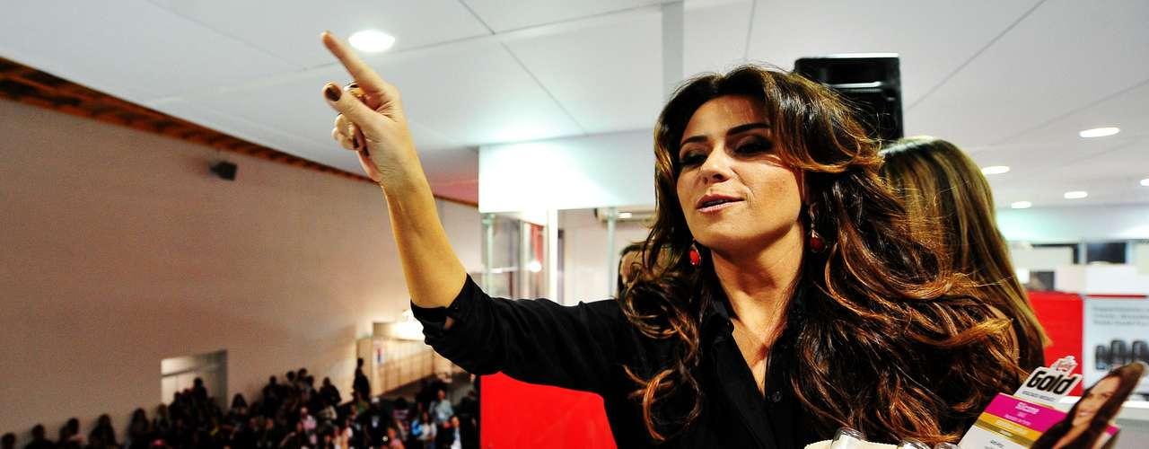 Quase dois anos depois de ter gêmeos, a triz Giovanna Antonelli voltou a ficar em forma para estrelar a nova novela das nove, 'Salve Jorge', da Rede Globo
