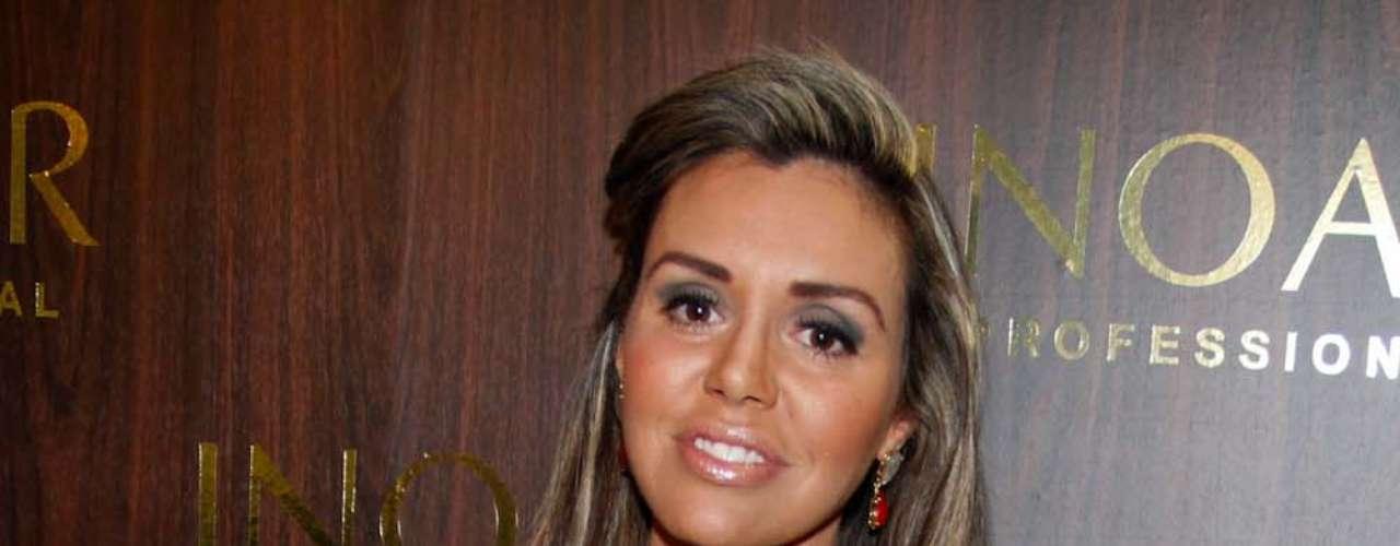 Renata Banhara foi outra celebridade a visitar a Beauty Fair neste sábado