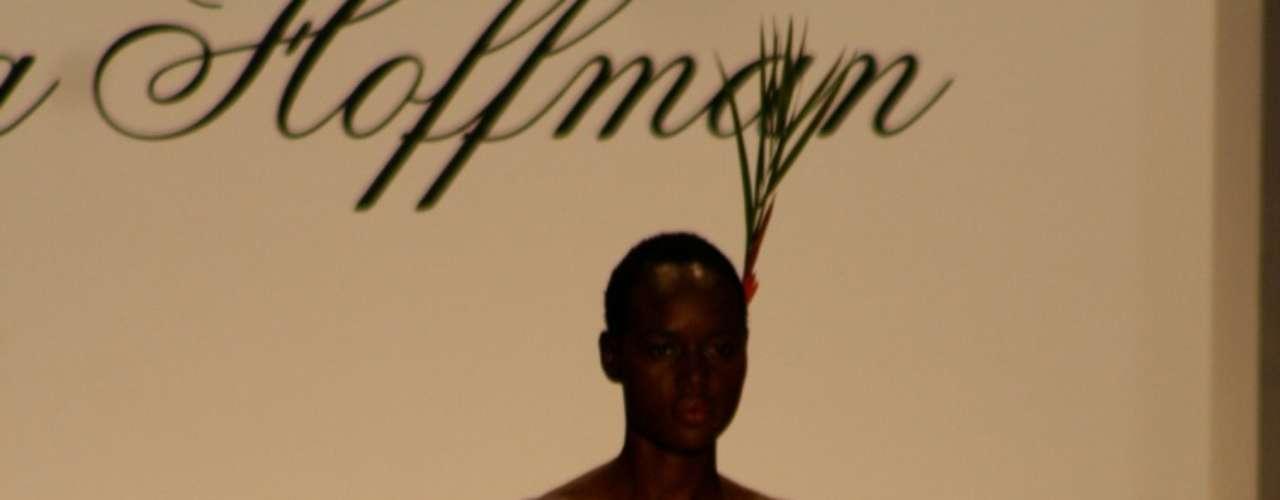 Mara Hoffman se inspirou no Havaí para desfile na semana de moda de Nova York