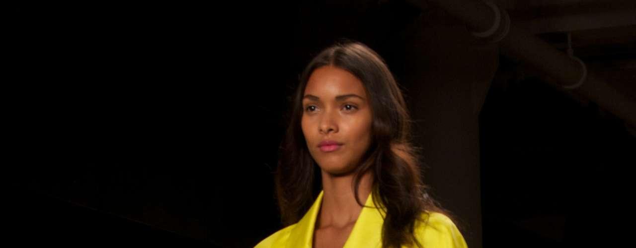 A top brasileira Lais Ribeiro foi destaque da passarela de Alexandre Herchcovitch na semana de moda de Nova York