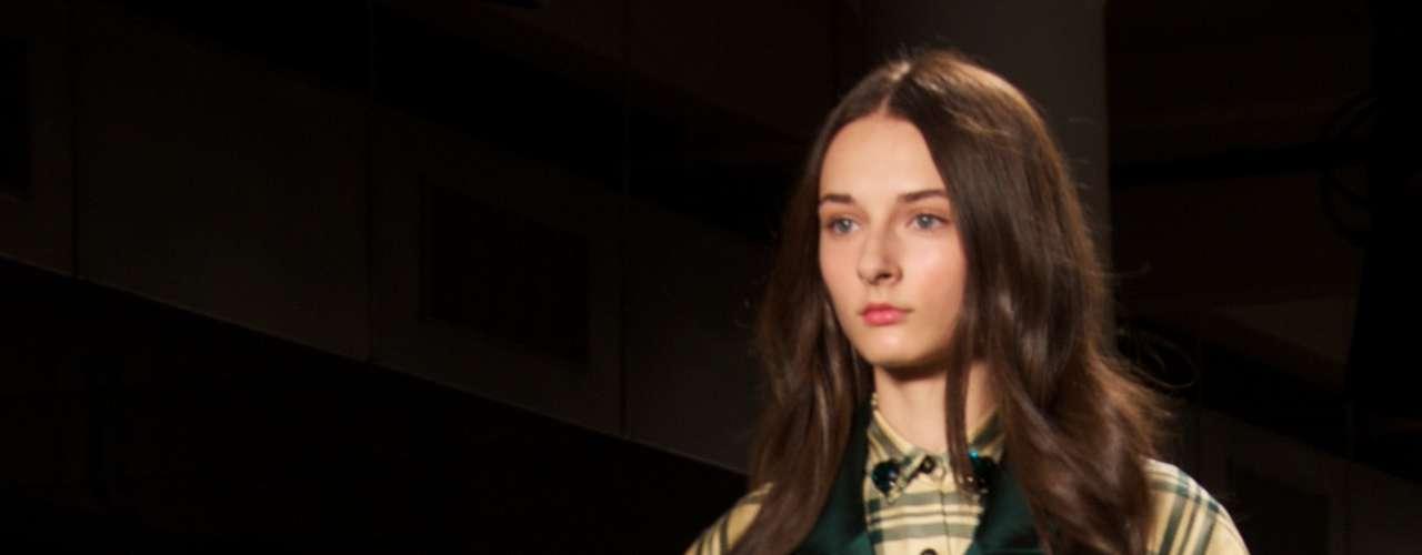 Um dos destaques da semana de moda de Nova York neste sábado (8) foi o desfile do brasileiro Alexandre Herchcovitch. Para exibir a sua coleção ao público americano, ele escolheu as passarelas do Milk Studios, no bairro \