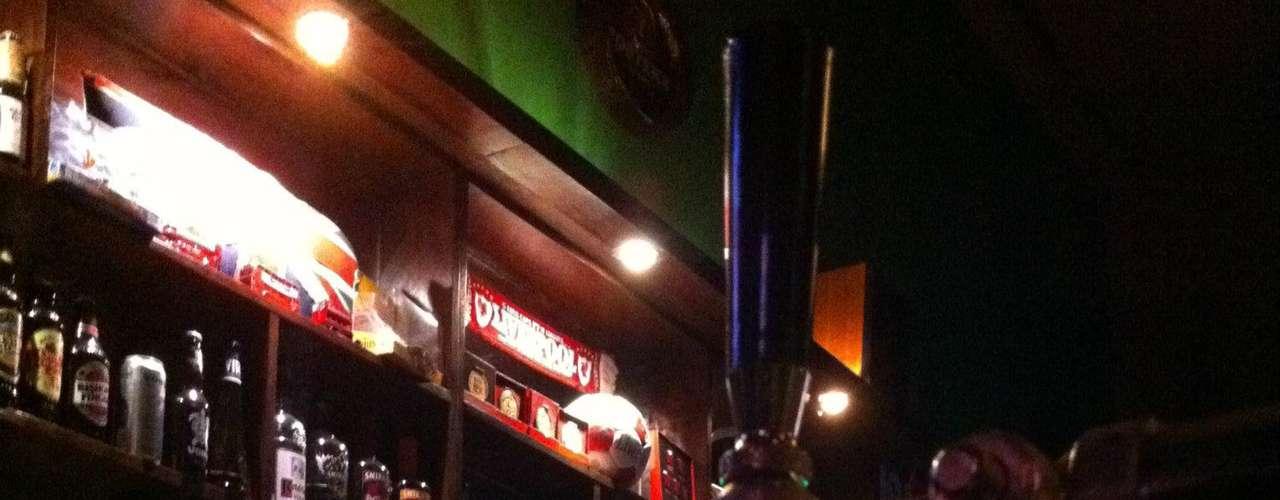 The Pub - Carta: Mais de 40 rótulos de cervejas nacionais e internacionais. Endereço: R. Augusta, 576 - Consolação. Telefone: (11) 3804-3894. Horário de funcionamento: de segunda a quanta, das 18h às 2h; quinta, das 18h às 3h; sexta e sábado, das 18h às 4h; e domingo, das 18h às 2h
