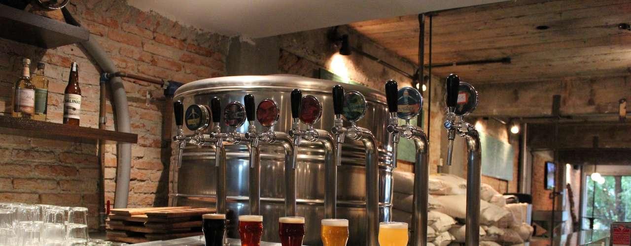 Cervejaria nacional - Carta: 5 receitas próprias de cerveja (Domina Weiss, Y-Îara Pilsen, Mula IPA, Kurupira Ale e Assi Sout) e 15 cervejas sazonais. Endereço: Av. Pedroso de Morais, 604  Pinheiros. Telefone: (11) 3628-5000. Horário de funcionamento: de segunda a quarta, das 17h às 24h; quinta, das 17h à 1h30; e sexta e sábado, das 12h à 1h30