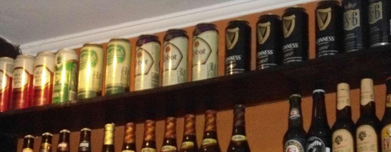 Bar Asterix - Carta: Mais de 200 rótulos de cervejas nacionais e internacionais e 5 variedades de chope. Endereço: Al. Joaquim Eugênio de Lima, 573  Jd. Paulista. Telefone: (11) 3368-5610. Horário de funcionamento: de segunda a quinta, das 17h às 2h, e de sexta a domingo, das 16h às 2h