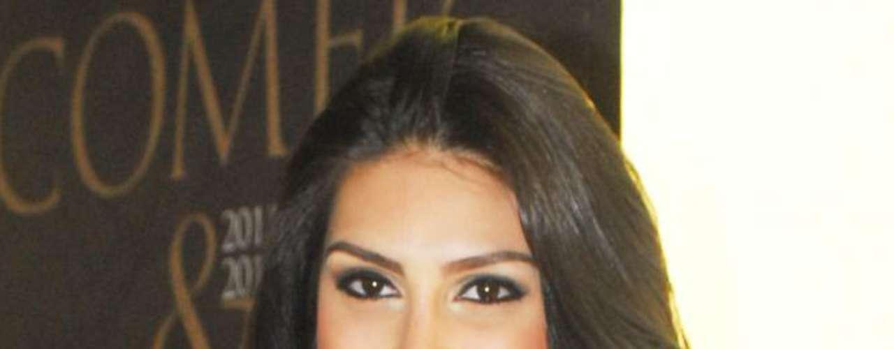 Sempre linda, a Miss Brasil 2007 já recorreu  a alguns tratamentos estéticos, como o Laser Genesis,  Limelight e o peeling de cristal com ácido retinóico para tratar a oleosidade da pele, clarear manchas e deixar a cútis renovada