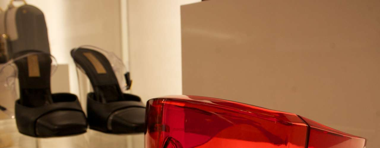 Óculos oversized vermelho