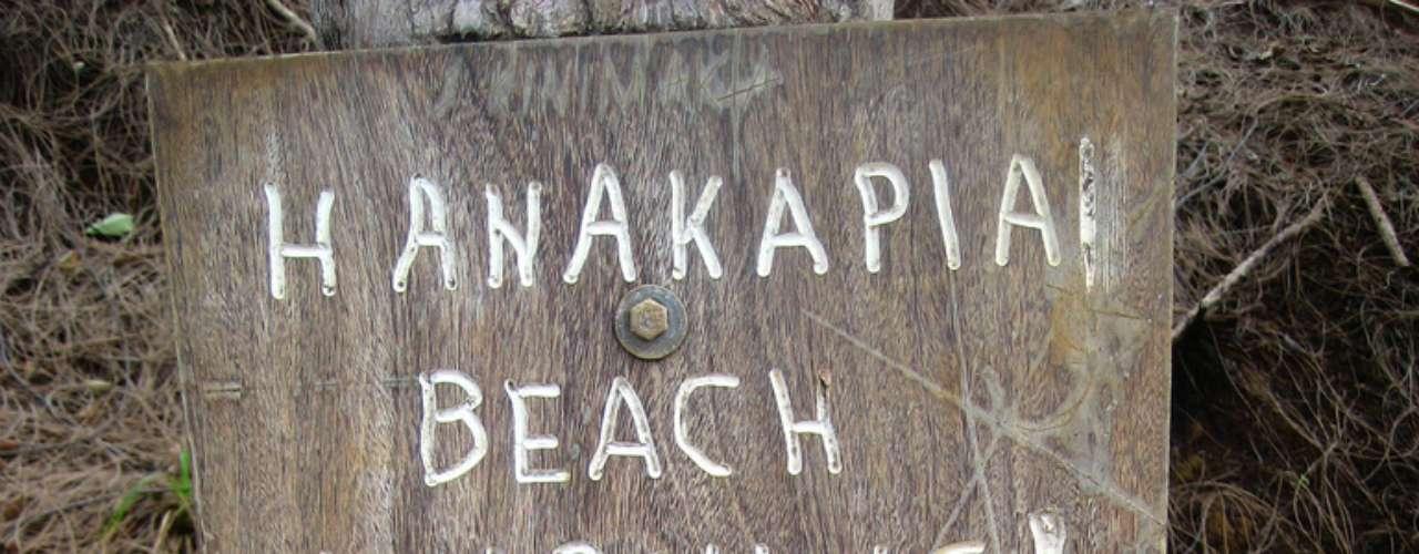 Hanakapiai Beach, Havaí, EUA: nem pense em dar um pulo no mar na praia de Hanakapiai. No local, uma placa alerta sobre as fortes correntezas e visitantes que morreram por não conseguir enfrentá-las