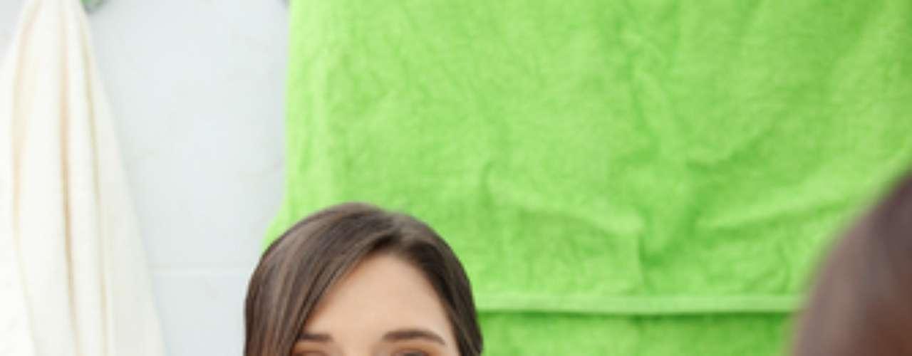 3- Último passo O enxaguante bucal deve ser usado sempre depois da escovação, fio dental e raspagem da língua. A boca tem que estar livre de placa e a língua sem saburra para o produto agir. Caso contrário estará jogando o produto pelo ralo.