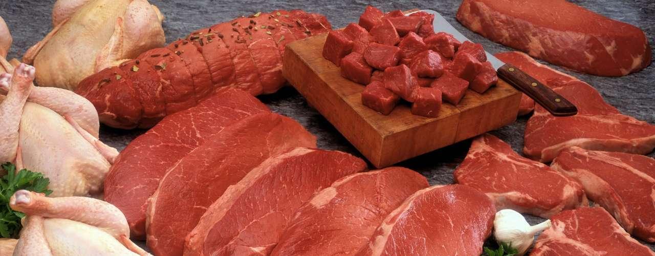 De acordo com Andrea Santa Rosa, membro da Sociedade Brasileira de Nutrição Funcional, alguns alimentos também podem influenciar. \