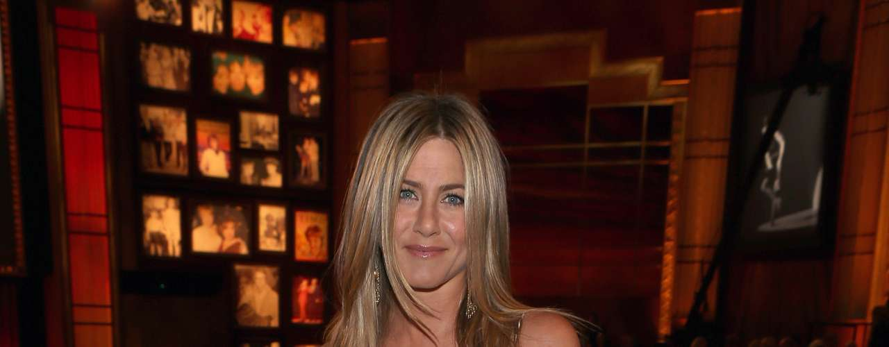 Jennifer Aniston, 43 - \