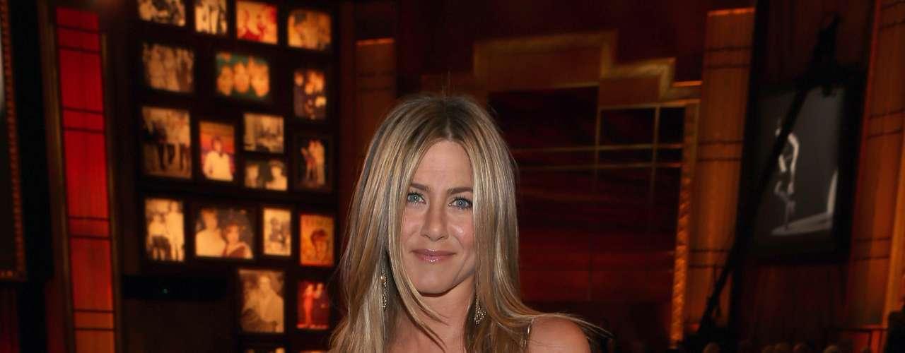 Jennifer Aniston, 43 - \