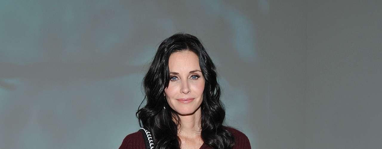 Courteney Cox, 47 - A atriz que exibe excelente forma revelou que sente insegurança sobre a idade. \