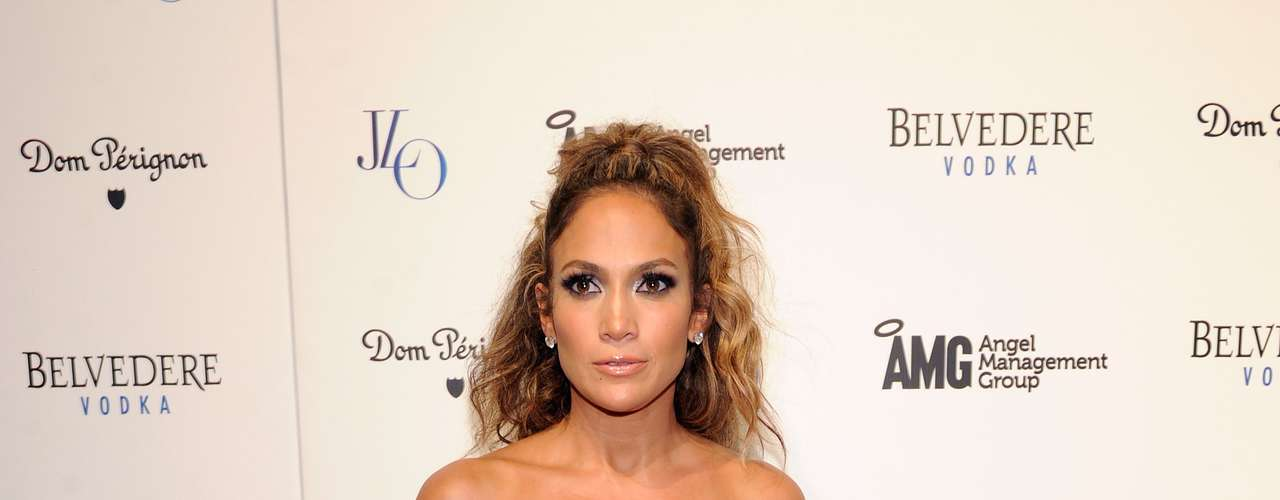 Jennifer Lopez, 42 - A atriz e cantora declarou que se sente melhor e mais inteligente do que quando tinha 20 anos. \