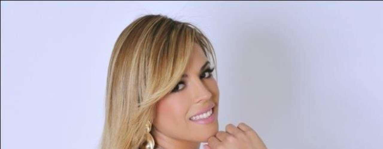 Desde que ganhou o título do bumbum mais belo do Brasil, Rosana Ferreira não sai mais do imaginário masculino e nem tampouco das páginas das revistas