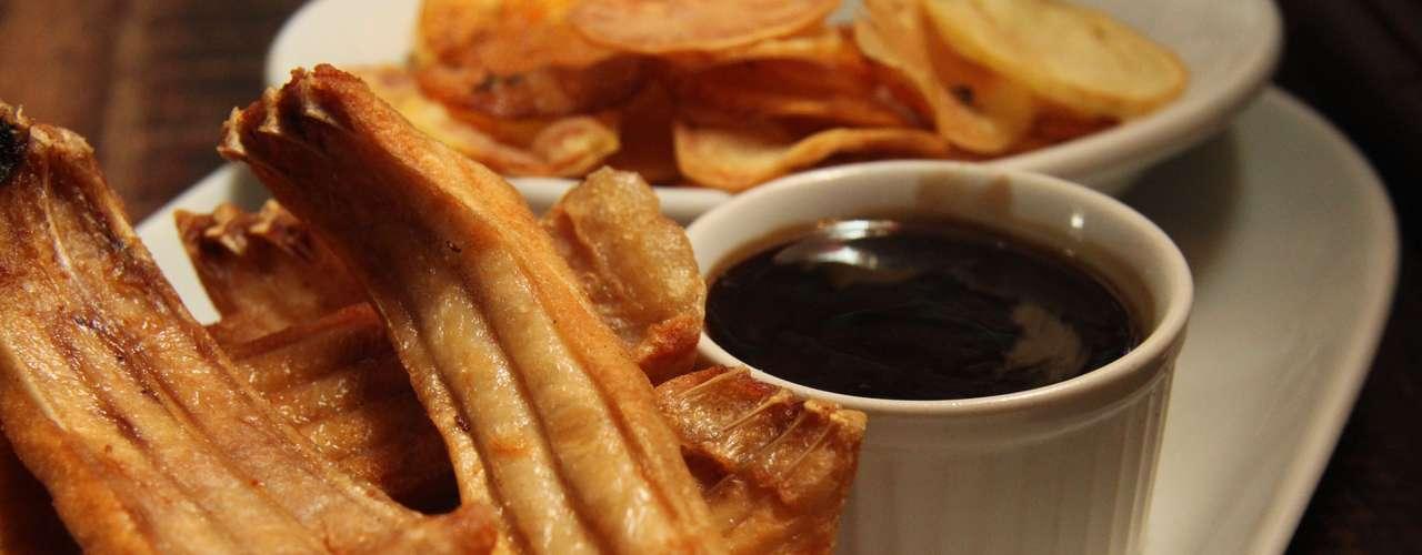 Fish and Chips (Costela de tambaqui com molho de Guinness agridoce e batata com páprica) no Dublin, por R$35