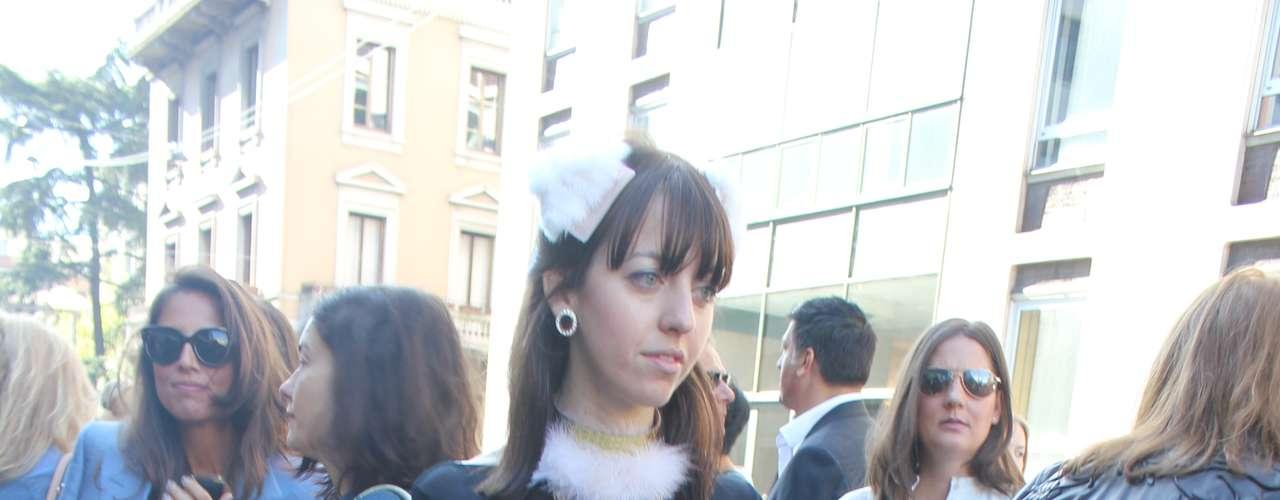 O preto e branco de Ravizza e Prada, já está nas ruas. A saia feita de recortes e irregular também é tendência para 2013