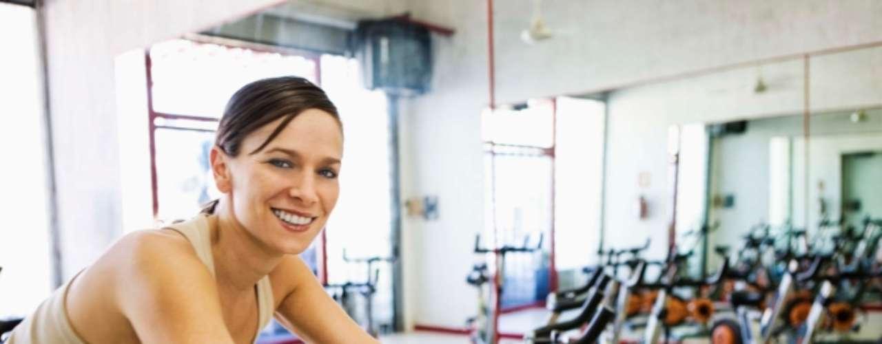 Piores - Ciclismo: você pode se sentir mais leve depois de uma aula de bicicleta, uma ótima atividade aeróbica. Apesar disso, seus músculos ficam \