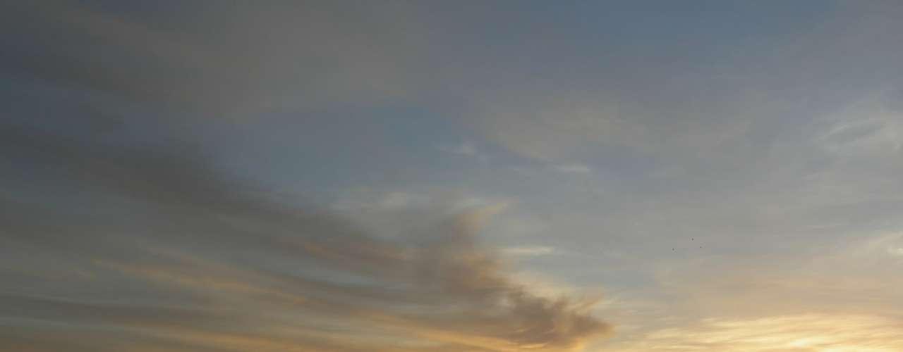 Selva Amazônica, AM, Brasil - O pacote da TAM Viagens inclui passagens aéreas, três noites de hospedagem no hotel Amazon Ecopark com pensão completa, traslados, passeios de canoa e braco (floresta dos macacos, visita a comunidade nativa, pescaria, focagem noturna e fenômeno do encontro das águas), caminhada ecológica e kit ecoturismo. O preço é a partir de R$ 2.606 ou R$ 521,20 + 9 vezes de R$ 231,64. As saídas acontecem em outubro e novembro