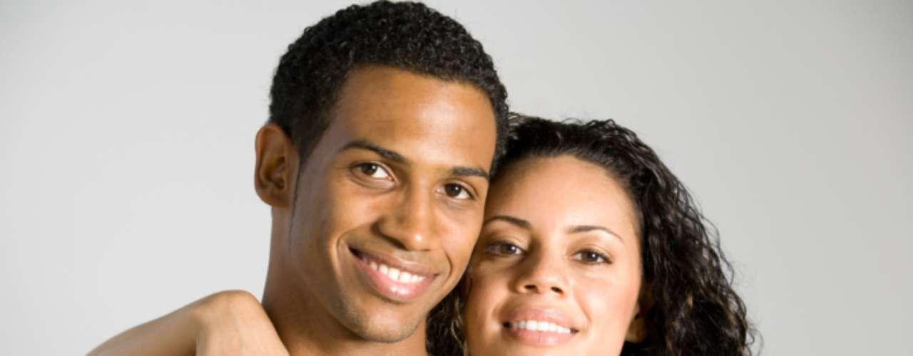 Os homens desejam uma mulher complexa, mas não previsível. Segundo o site 'YourTango', às vezes os homens precisam de um ombro para chorar e às vezes, de uma bela mulher para fazer amor. Veja alguns critérios mais desejados pelos os homens nas mulheres que querem passar o resto da vida