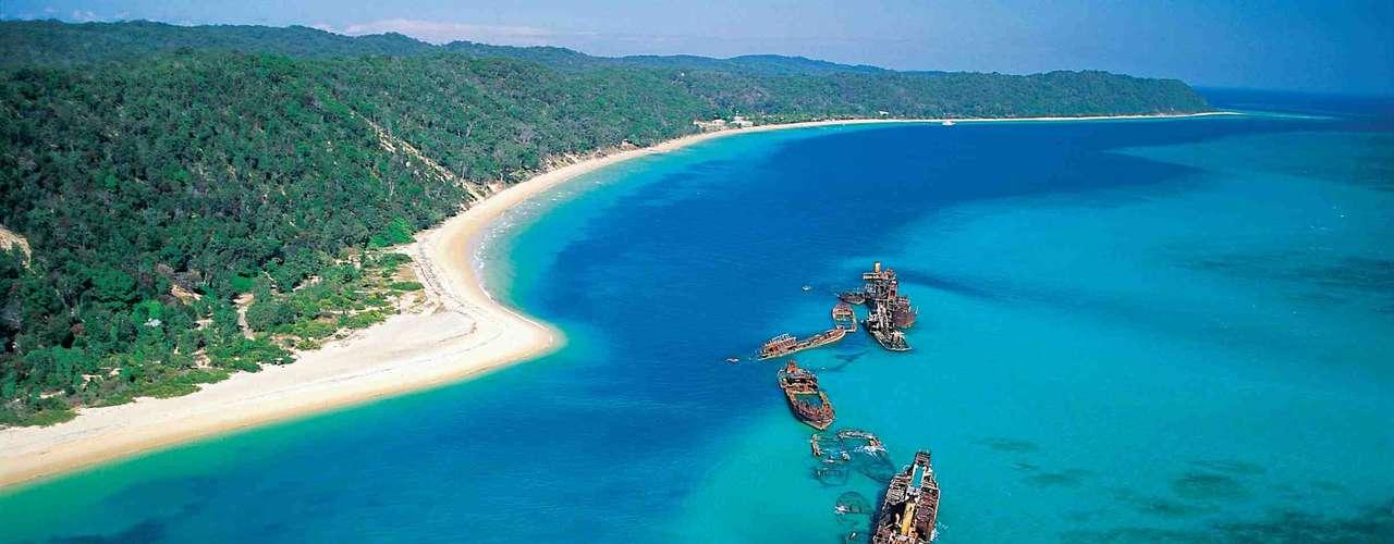 Gold Coast, Austrália: o oeste da Austrália é reputado como um dos lugares mais perigosos do mundo quanto à presença de tubarões. A 100 km de Brisbane, a cidade de Gold Coast tem belas praias e recebe numerosos surfistas, principais vítimas dos ataques de tubarão na região
