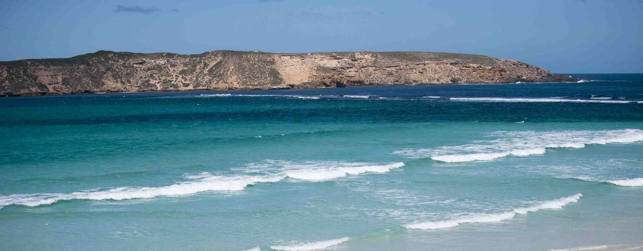 Coffin Bay, Austrália: ataques de tubarão são relativamente frequentes no litoral da Austrália. Uma das áreas menos recomendáveis para mergulhar é a da península de Coffin Bay, no sul do país. É melhor para os turistas curtir as belezas de Coffin Bay, protegidas por um parque nacional, fora da água de suas praias paradisíacas