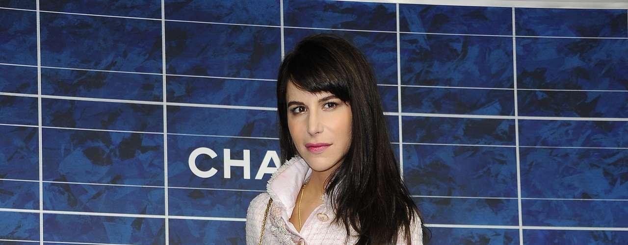 A estilista australiana Caroline Sieber foi conferir o desfile da Chanel
