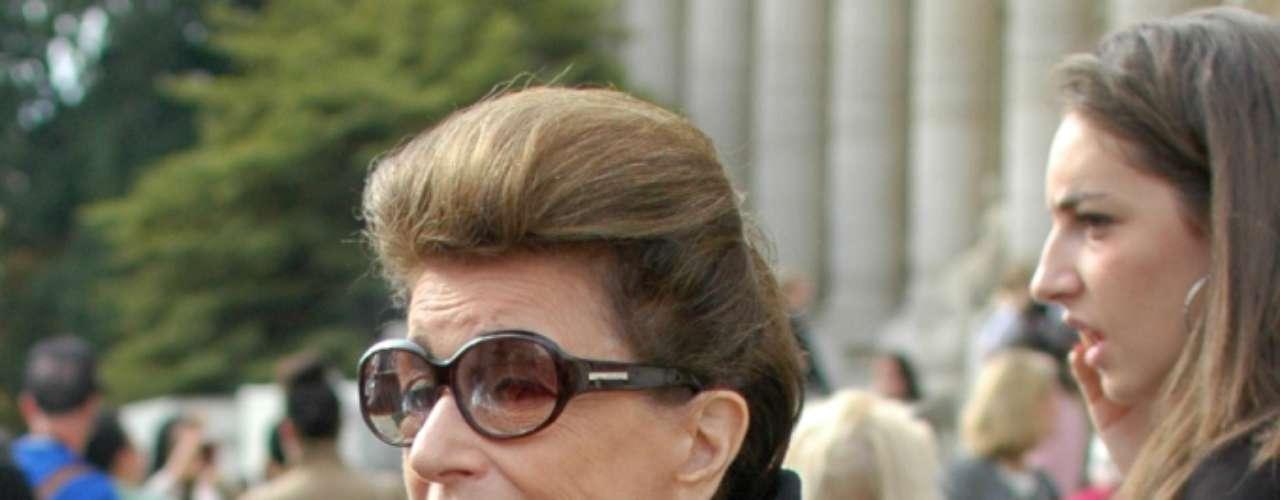 A consultora de moda brasileira Constanza Pascolato estava no local