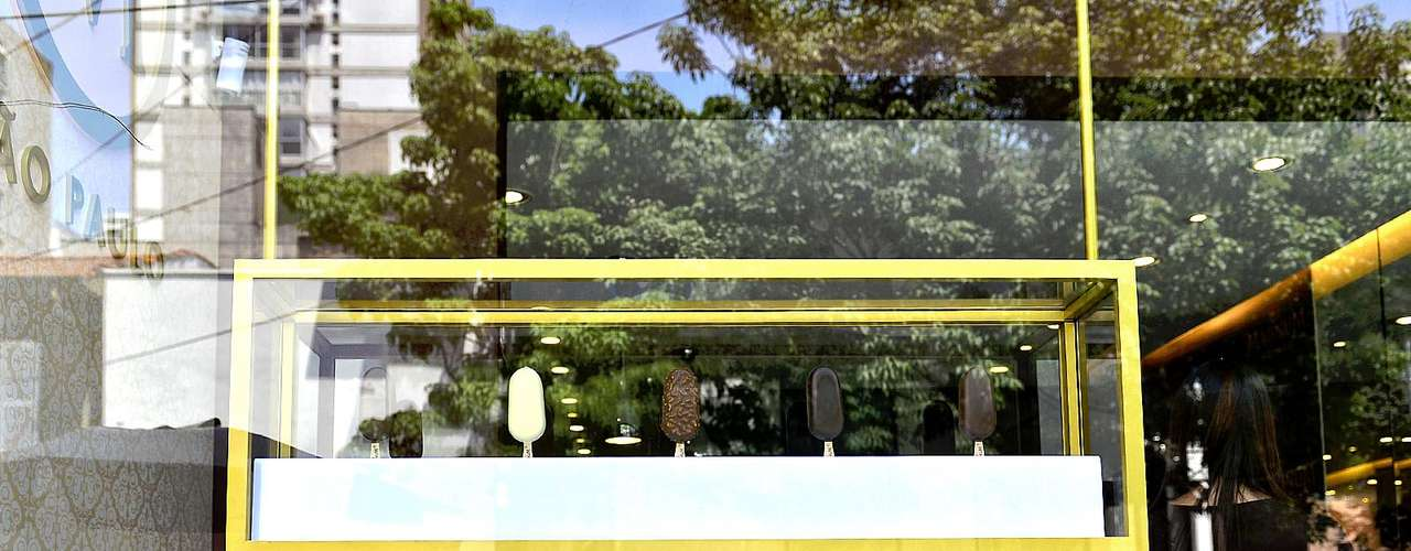 A Kibon abriu ao público nesta quinta-feira (4), em São Paulo, a Magnum Store, uma loja conceito em que o cliente poderá personalizar o seu picolé. Depois de passar por Paris, Istambul e Hamburgo, a novidade permanece em São Paulo até o próximo dia 23 de dezembro
