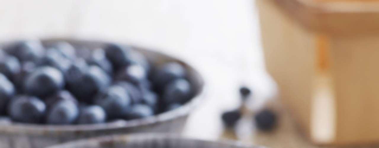 Suco de mirtilo pode melhorar a memória de idosos. De acordo com uma pesquisa divulgada na publicação Journal of Agricultural and Food Chemistry, da Sociedade Química Americana, voluntários que ingeriram suco da iguaria mostraram melhoras significas de aprendizado e em testes de memória