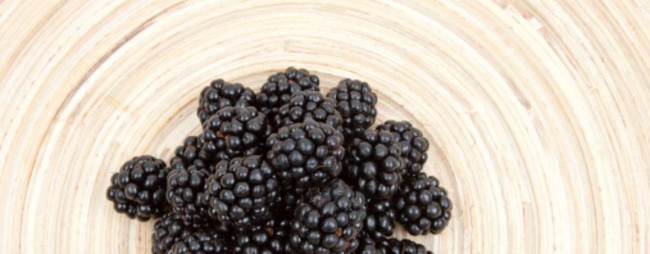 Cientistas da Universidade de Ohio State, nos Estados Unidos, identificaram componentes em framboesas pretas que poderiam ajudar a prevenir o câncer. Durante seus estudos, descobriram reduções significativas nos tumores de cólon e esôfago em ratos alimentados com a iguaria