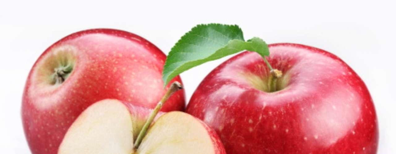 Um estudo publicado no American Journal of Clinical Nutrition descobriu que as maçãs, assim como peras e amoras, estão ligadas a um risco menor de desenvolver diabetes tipo 2 por causa de uma classe de antioxidantes, antocianinas, que são também responsáveis para pela coloração de frutas e vegetais