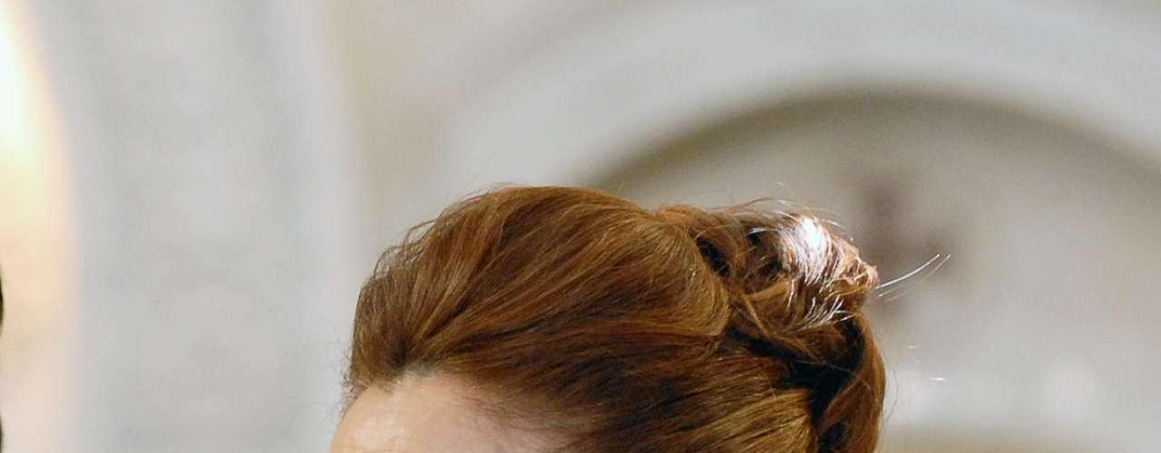 A esposa de Mustafa (Antonio Calloni), a curadora de arte Berna (Zezé Polessa), possui um guarda-roupa assinado por designers turcos que jogam com elementos tradicionais em peças contemporâneas. O maior exemplo disso são os caftans com estampas modernas