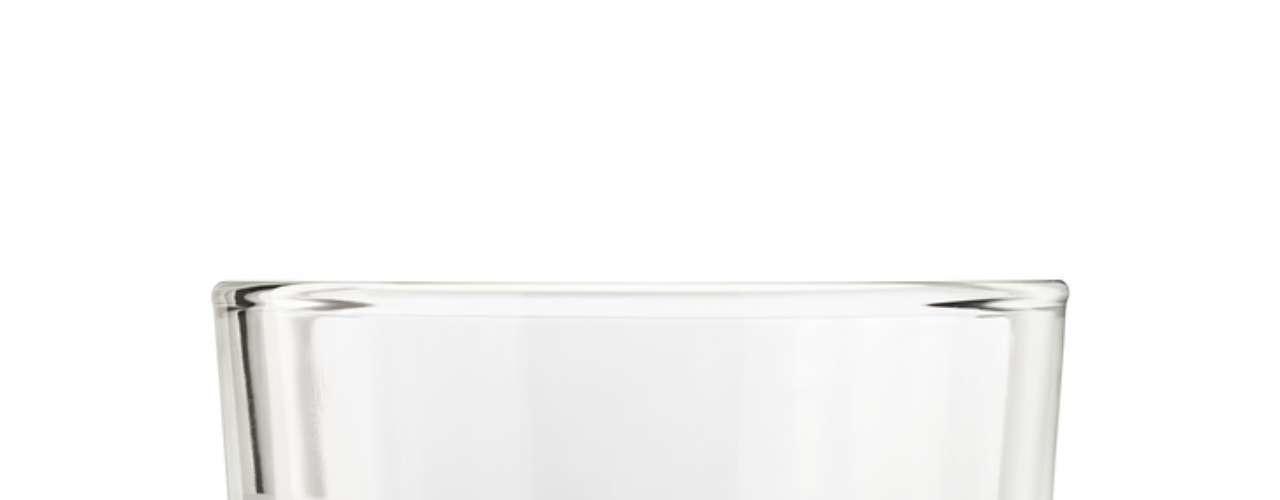 Caso esteja acampando, e a cidade mais próxima fica muito distante, o que é recomendado fazer? Estanque o sangue com gelo. Se conseguir pegar o pedaço do dente fraturado é indicado guardar o fragmento em leite ou soro fisiológico e procure imediatamente o seu dentista. Melissa recomenda, caso não tenha esses produtos, colocar o fragmento em água ou saliva.