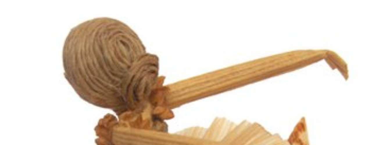 O Ponto Solidário é uma associação que reúne produtos de artesanato de diferentes pontos do Brasil e de vários materiais, como cerâmica, bambu, madeira e sementes. Esta bailarina é feita de palha de milho. Informações: (11) 5522-4440